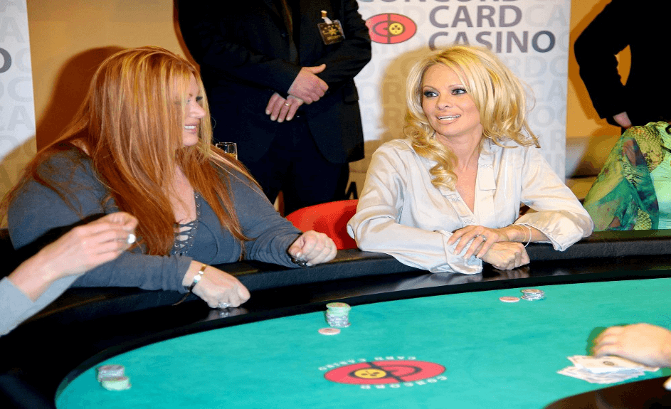Celebrity in a casino - Pamela Anderson